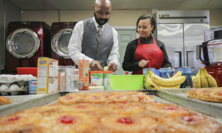 Celebrity baker serves up sweets at L.O.V.E.'s Kitchen